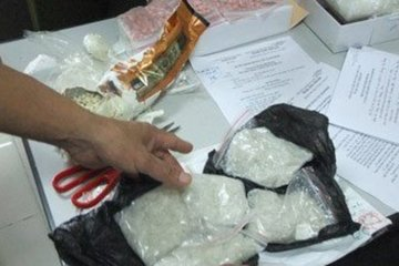 Phó chủ tịch xã ở Hà Nội nghi nghiện và tàng trữ ma túy bị bắt