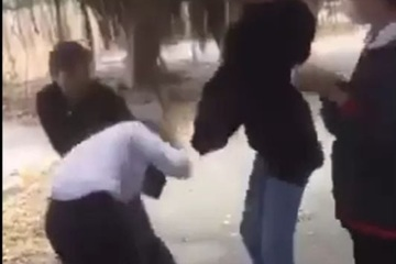Nữ sinh lớp 8 ở Bà Rịa - Vũng Tàu bị đánh hội đồng: Làm sao ngăn chặn bạo lực học đường?