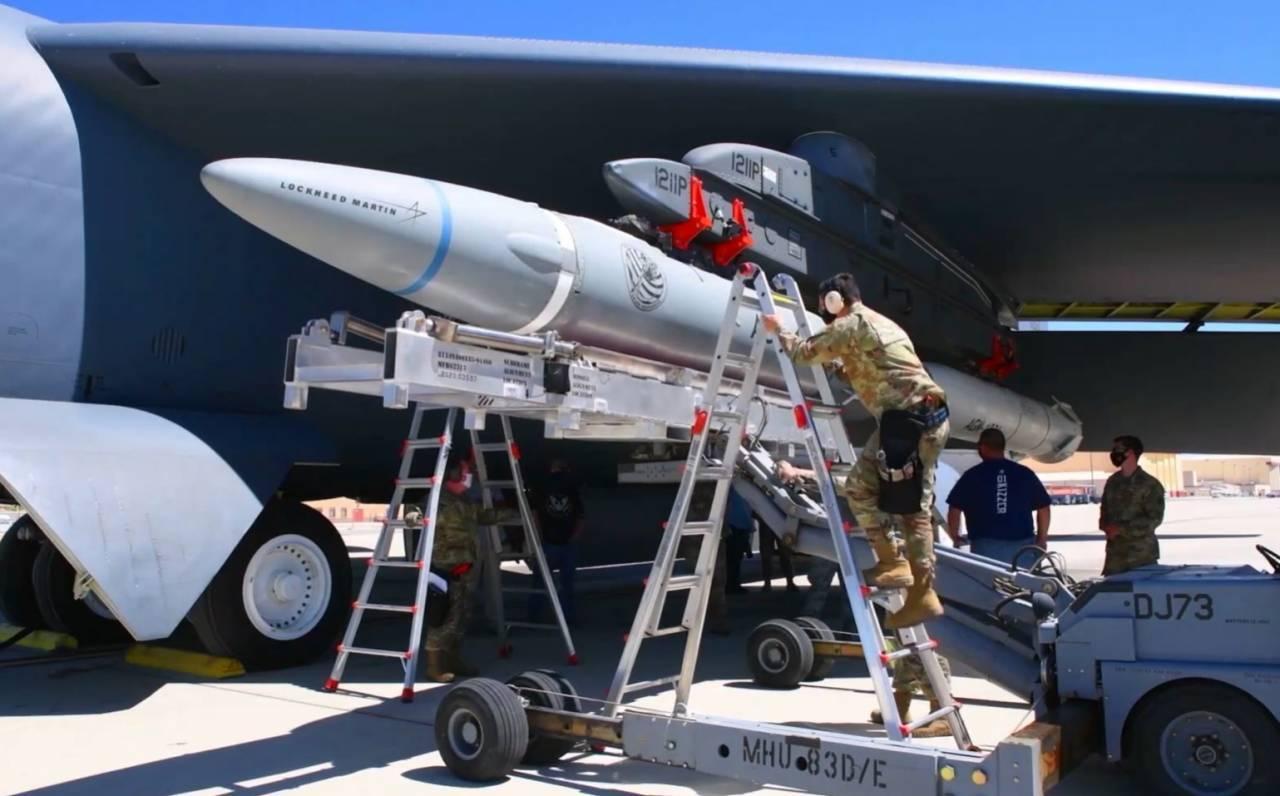 Mỹ,tên lửa,AGM-183A,Kh-47M2 Kinzhal