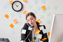 Sếp gọi điện giao việc bất kể ngày đêm có bất thường?