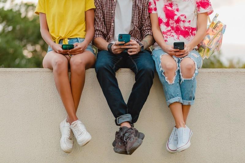 Thị trường smartphone phổ thông: Cuộc chơi của những 'trái tim thép'