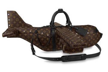 Choáng với túi xách mô hình máy bay có giá 'cắt cổ'