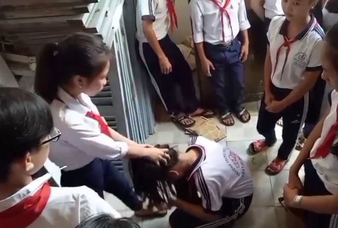 Tôi bất an khi con đến lớp: Bộ Giáo dục có ngăn chặn được tình trạng học sinh đánh bạn?