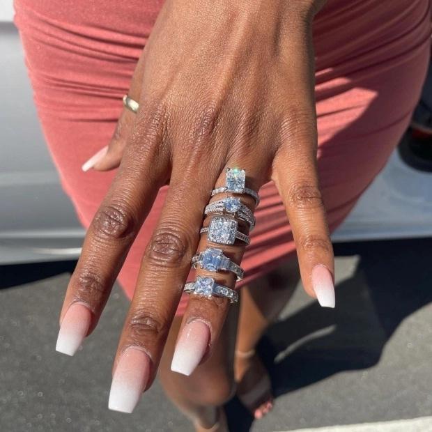 Màn cầu hôn xa hoa với 5 chiếc nhẫn kim cương gây 'sốt'