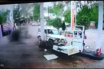 Tài xế say xỉn tông thẳng ô tô vào trạm xăng
