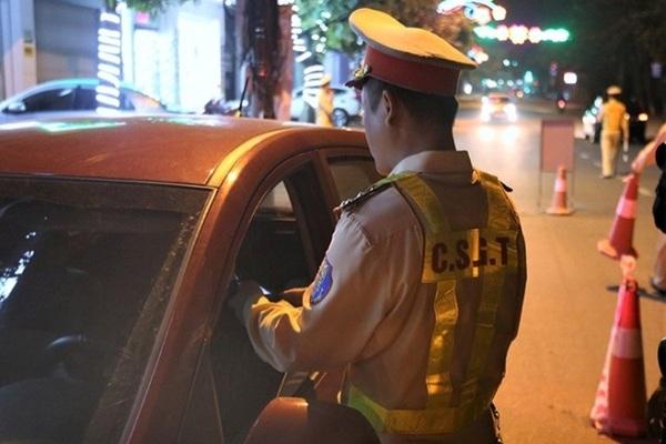 Không có bằng lái còn vi phạm nồng độ cồn, tài xế ở Hà Tĩnh bị phạt 40 triệu đồng