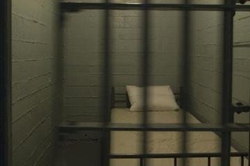 Tù nhân 'tự nguyện' ngồi tù thêm 20 năm vì lý do không tưởng