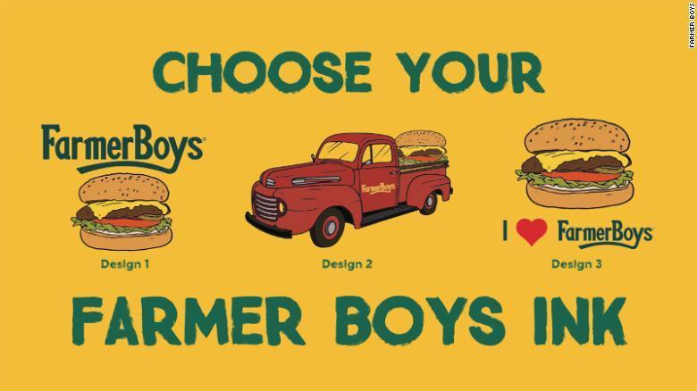 Kéo nhau đi xăm hình logo công ty để được ăn bánh mỳ kẹp thịt miễn phí