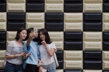 Vấn nạn 'chưa hết tháng đã hết tiền' ở người độc thân Trung Quốc