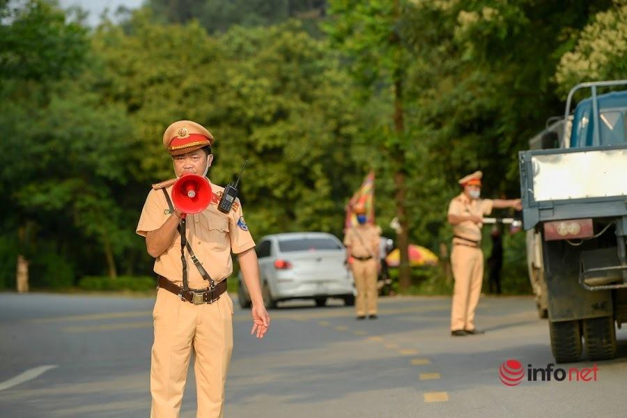 CSGT Phú Thọcăng mình bảo đảm trật tự an toàn giao thôngdịpGiỗ Tổ Hùng Vương 2021