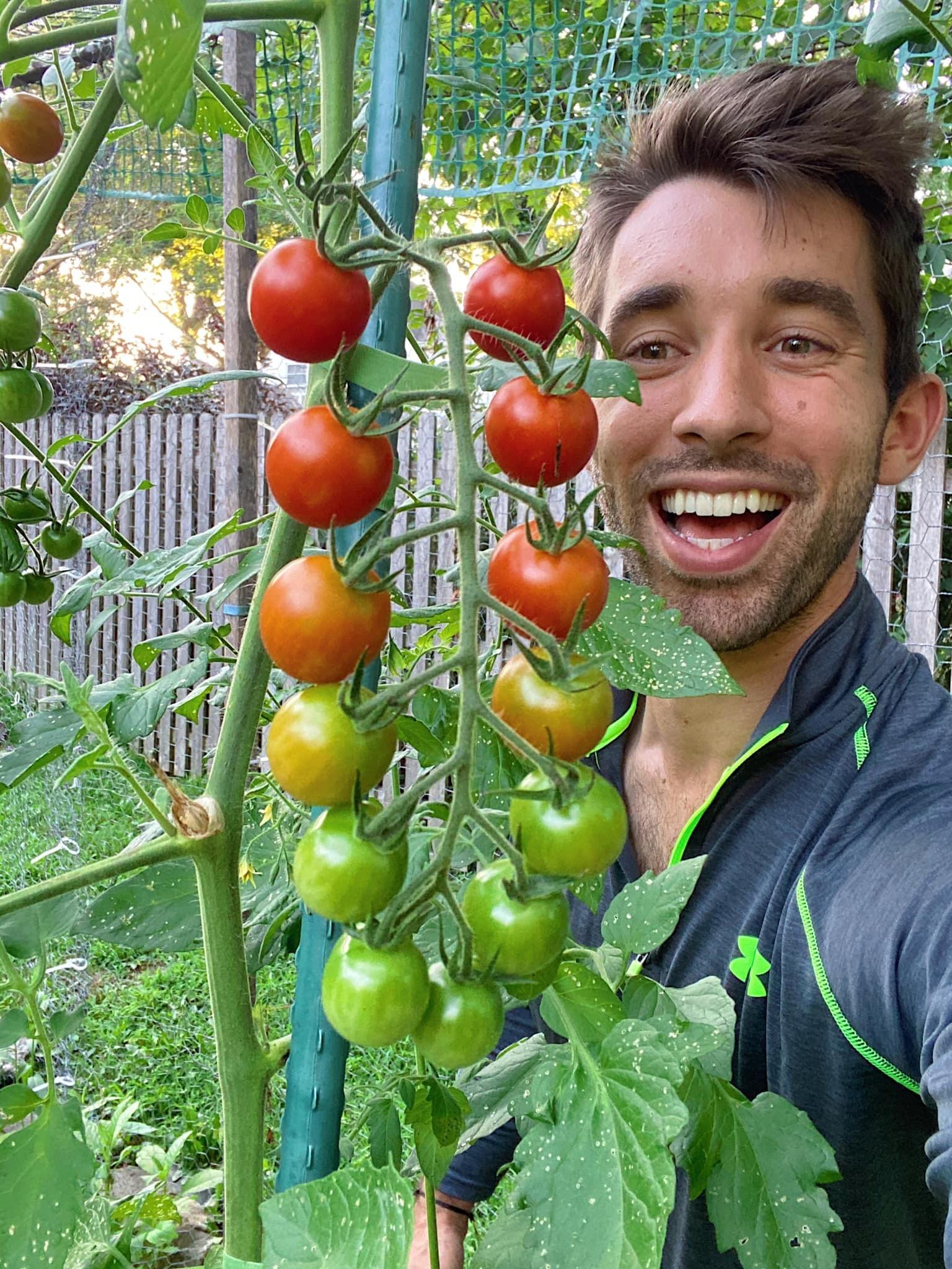 Anh chàng điển trai sở hữu khu vườn đẹp phát ngôn sốc 'thiên nhiên không phải đồ nội thất'