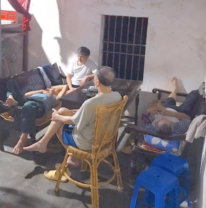 Bốn người đàn ông 'đánh cờ mù' khiến dân mạng thán phục