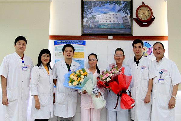 Phẫu thuật ghép thành công cho 2 bệnh nhân được hiến tặng giác mạc