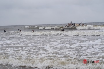 Tìm thấy thi thể học sinh cuối cùng trong vụ 4 học sinh mất tích khi tắm biển ở Thanh Hóa