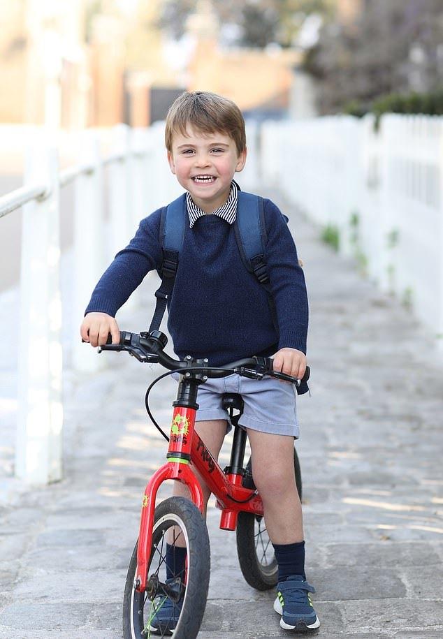 Hoàng tử nhí nước Anh tròn 3 tuổi và cách dạy con khiến thế giới ngưỡng mộ của William-Kate