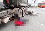 Nghệ An: Xe đầu kéo va chạm xe máy, 3 mẹ con thương vong