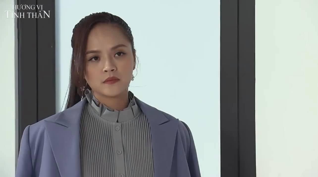 Nhìn ảnh thời thơ ấu của Thu Quỳnh, ai cũng thừa nhận cô xinh xắn từ tấm bé