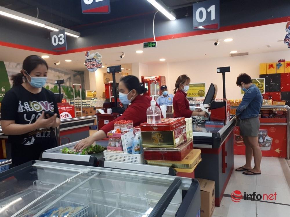 Hà Nội: Dân đổ xô về quê, đi chơi ngày lễ, siêu thị vắng khách, chợ 'ế' hàng