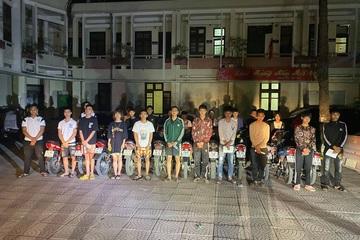 Tóm gọn nhóm thanh niên tụ tập đua xe xung quanh thành cổ Sơn Tây