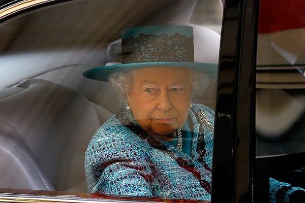 Nữ hoàng anh,Elizabeth II,Bentley