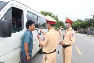 4 ngày nghỉ lễ, gần 3.500 trường hợp vi phạm nồng độ cồn bị CSGT xử phạt