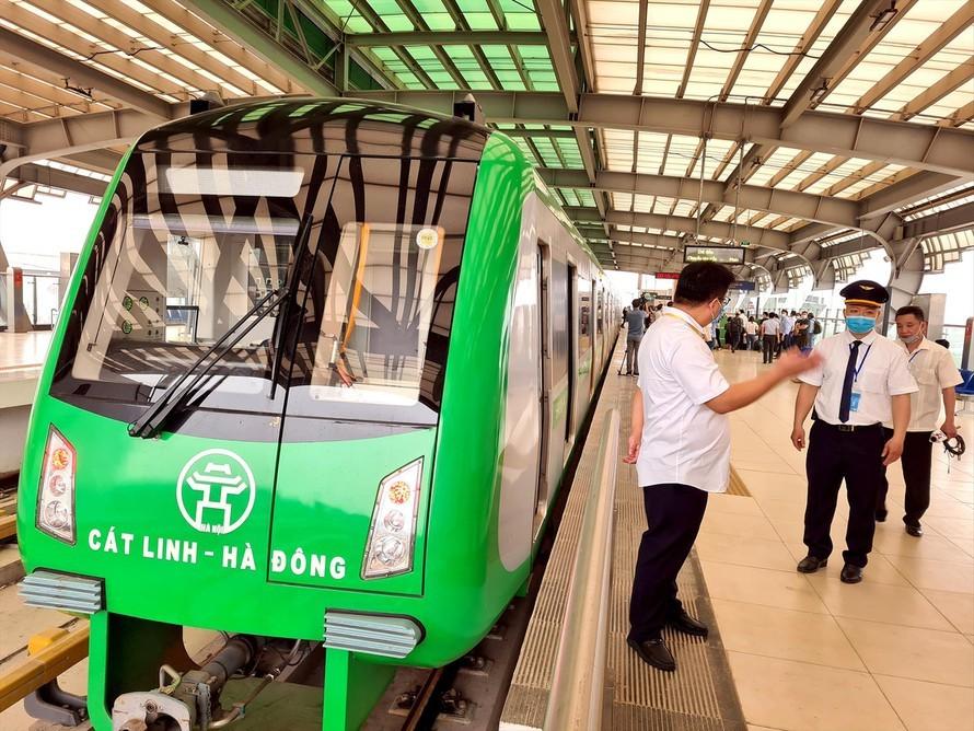 Đường sắt Cát Linh - Hà Đông,Đường sắt đô thị,Hà Nội,Bộ GTVT,chậm tiến độ,khai thác