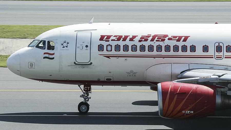 Phi công Ấn Độ dọa hủy chuyến bay nếu không được tiêm vắc-xin Covid-19