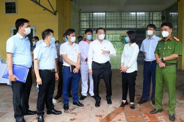 Hà Nội chuẩn bị các bệnh viện tiếp nhận BN Covid-19, khuyến cáo người dân không ra khỏi nhà