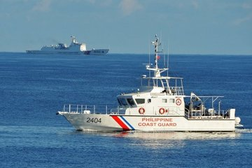 Hải cảnh Trung Quốc chặn tàu cảnh sát biển Philippines ở Biển Đông