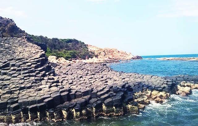Phú Yên: Lượng khách tới du lịch giảm khoảng 30% so với số lượng đặt phòng trong dịp lễ