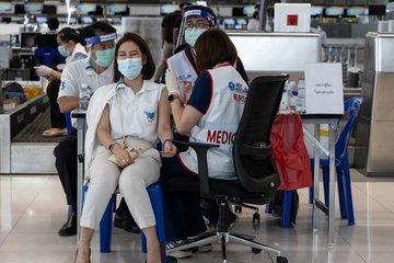 Nhà giàu Thái Lan bạo tay mua 'tour vắc-xin' sang Nga - Mỹ