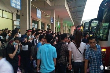 Xấp xỉ 98.000 người về sau kỳ nghỉ lễ, nguy cơ dịch COVID-19 đối với Hà Nội rất cao