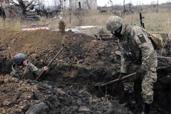 Ukraine đào hào chống 80.000 lính Nga ở biên giới?