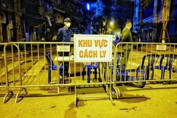 Phong tỏa hai bệnh viện, nhiều ca F0 trong cộng đồng, Hà Nội vì sao chưa giãn cách?