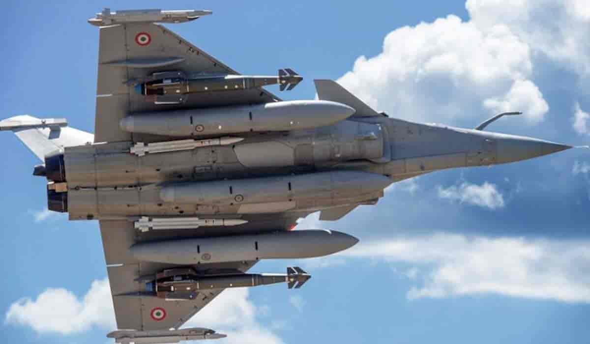 'Lễ nhập môn' kinh hoàng của lính mới trong Không quân Pháp