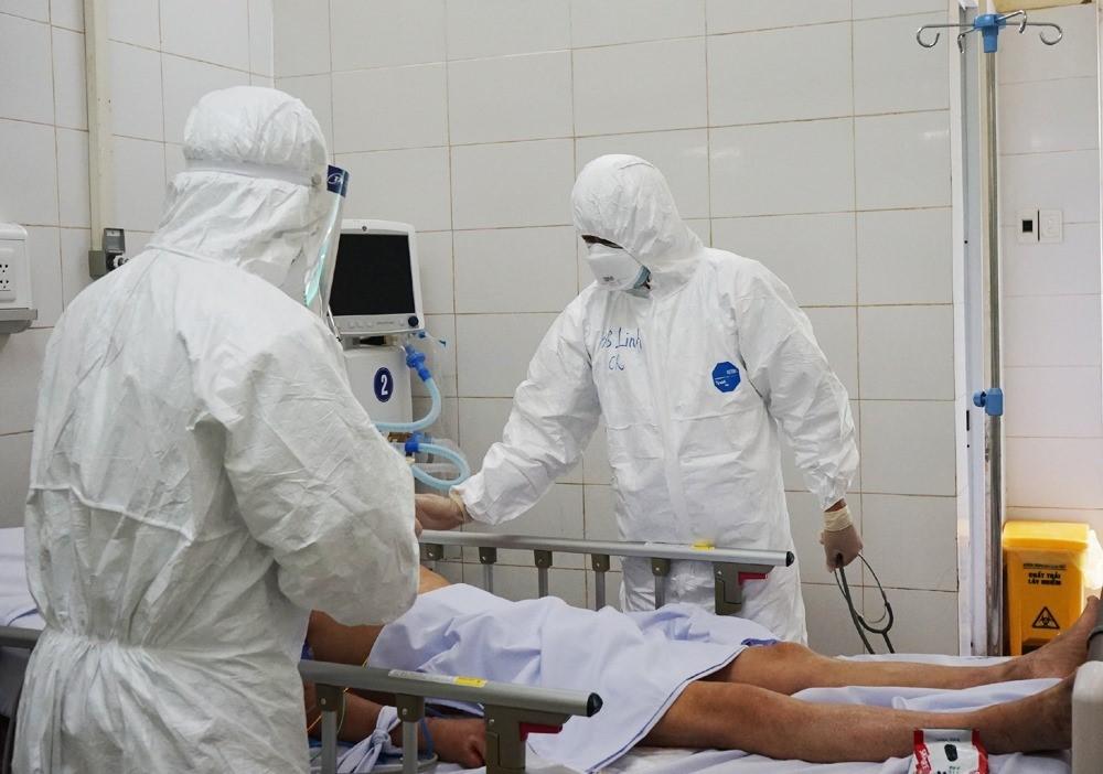 Bốn bệnh nhân Covid-19 điều trị tại Hà Nội tiên lượng nặng, 26 ca viêm phổi