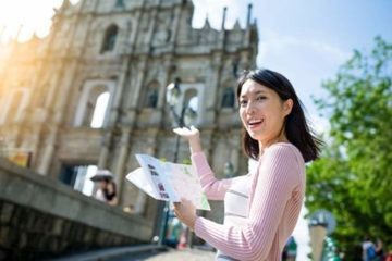 """Đăng ký xét tuyển đại học 2021 vào """"phút chót"""": Có nên chọn nhóm ngành du lịch đang lao đao vì đại dịch?"""