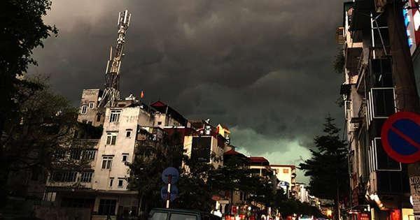 Vì sao dông nhiệt trở thành nỗi ác mộng của người Hà Nội?