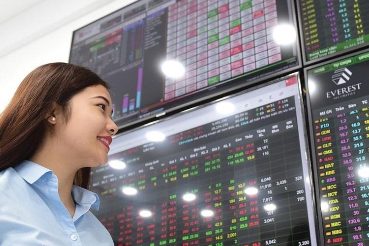 Hơn 100.000 nhà đầu tư 'mới tinh' mở tài khoản chứng khoán trong tháng Tư