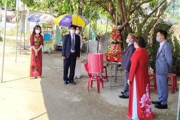 Chuyện bất ngờ ở Quảng Nam: Tổ chức đám hỏi ngay tại… chốt kiểm dịch Covid-19
