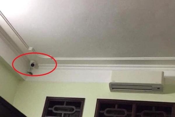 Nữ sinh chia sẻ ảnh phòng ngủ gắn camera, ẩn ức phía sau khiến phụ huynh giật mình hối hận