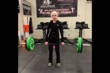 Đổ mồ hôi ở phòng gym 6 buổi/tuần, cụ bà 74 tuổi 'cố trốn' bệnh Alzheimer