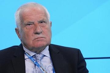 Cựu Tổng thống Czech bị phạt 470 USD vì không đeo khẩu trang