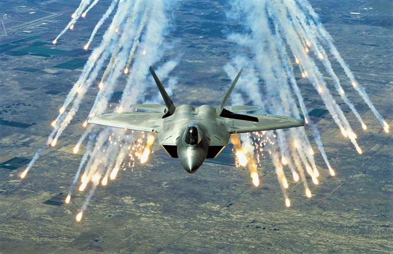 Số phận '3 chìm 7 nổi' của tiêm kích đình đám F-22