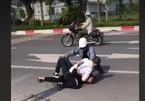 Vụ tài xế taxi G7 bị cướp đâm dã man: Công an tìm người giúp nạn nhân khống chế tên cướp