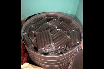 Hai đối tượng tàng trữ, mua bán trái phép 311kg thuốc nổ bị bắt