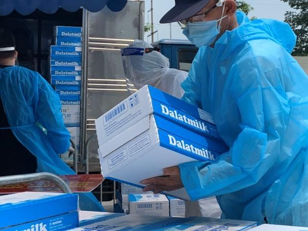 Hơn 3 triệu sản phẩm của Tập đoàn TH chung tay chống dịch Covid-19
