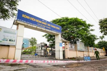 Bệnh viện Bệnh Nhiệt đới Trung ương tiếp tục thực hiện cách ly y tế