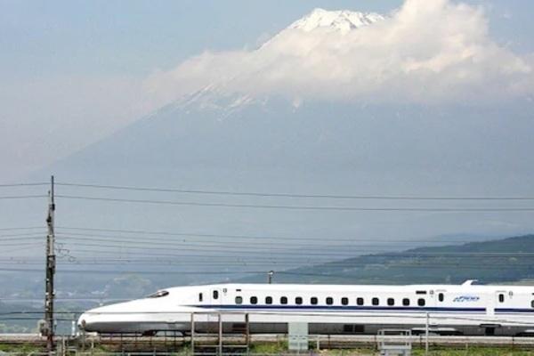 Rời vị trí 3 phút khiến tàu chậm 1 phút, nhân viên lái tàu siêu tốc ở Nhật bị phạt nặng