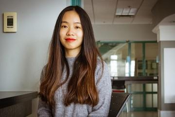 Cô gái Việt duy nhất nhận huy chương học thuật của toàn quyền Canada